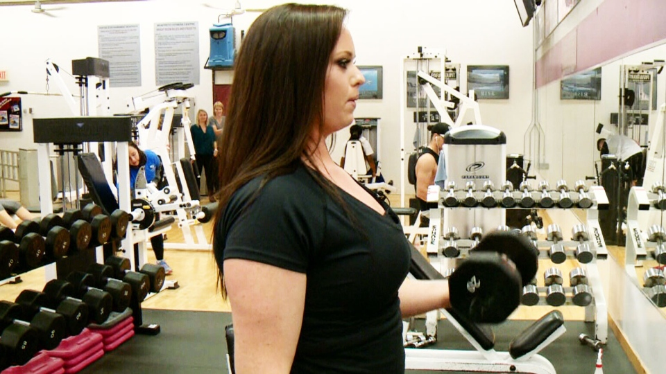 Respuesta de las células satélite al ejercicio de fuerza y al entrenamiento de intervalos a alta intensidad en sedentarios con sobrepeso/obesos.