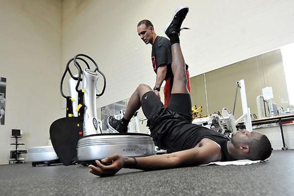 Efectos de las vibraciones de cuerpo completo sobre el rendimiento en basquetbolistas