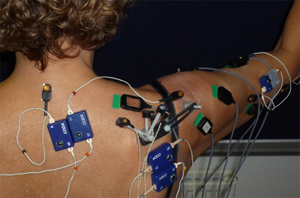 Artículo sobre el análisis EMG comparativo de 4 ejercicios comunes en hombros estables vs hombros inestables.