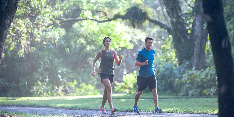 Efectos agudos de la intensidad de ejercicio de la marcha sobre citokinas sistémicas y estrés oxidativo