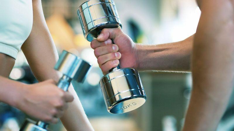Qué es mejor para la pérdida de peso ¿Ejercicio cardiovascular o de fuerza?