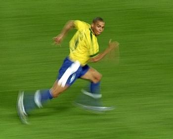 Análisis de las distancias recorridas a velocidad de sprint por fraccionamiento de puestos en el campo de juego en el Fútbol Argentino de primera división.