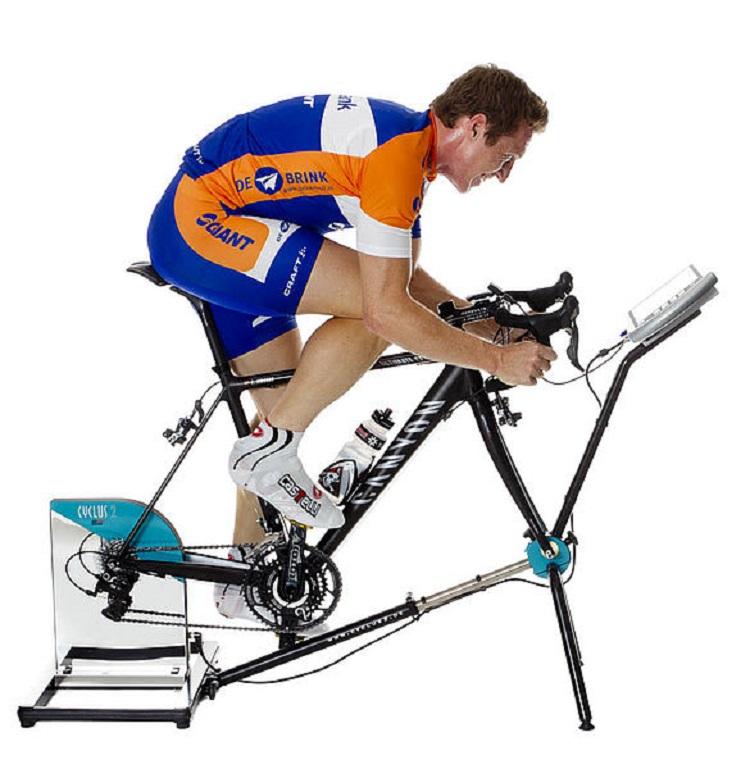 Efectos del entrenamiento de sprint por intervalos a diferentes altitudes sobre el rendimiento de pedalear a nivel del mar