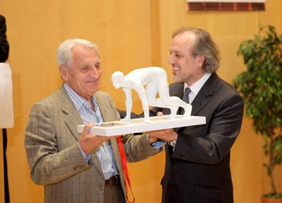 In Memorian ed at Honorem Profesore  Vittori (World Congress on Science in Athletics: homenaje a uno de los más destacados entrenadores mundiales,