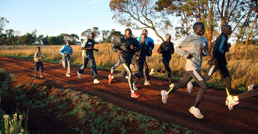 Estrategias de hidratación y ayudas ergogénicas en maratón y trail running