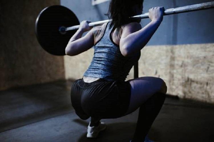 La redistribución del descanso no altera las respuestas hormonales en mujeres entrenadas en fuerza