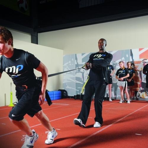 Ejercicios de fuerza y su relación con el entrenamiento deportivo (foco en velocidad y agilidad)