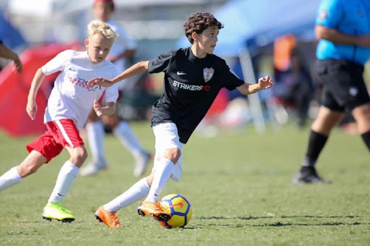 Relación entre la capacidad de sprint repetido, capacidad aeróbica, resistencia intermitente, y recuperación de la frecuencia cardíaca en jugadores de fútbol jóvenes