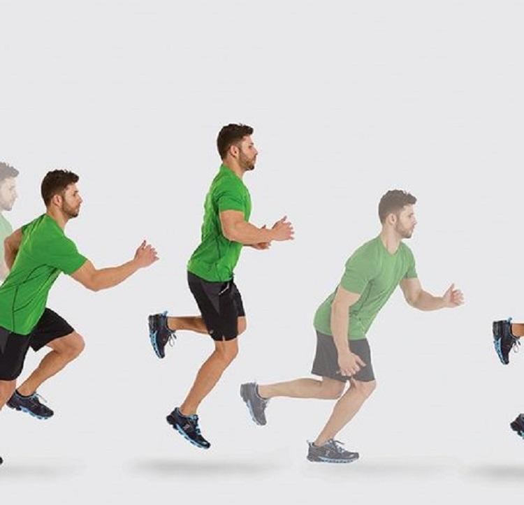 Efectos del entrenamiento pliométrico unilateral versus bilateral sobre el rendimiento de la carrera de resistencia