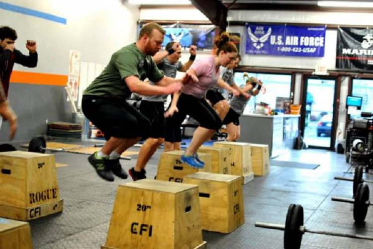 Efectos del entrenamiento de salto pliométrico de igual volumen pero diferentes intensidades sobre componentes del fitness físico