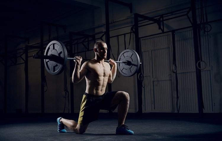 Comparación entre el ejercicio de fuerza de cuerpo entero y de rutina dividida sobre la respuesta inmunometabólica del factor neurotrófico derivado del cerebro.