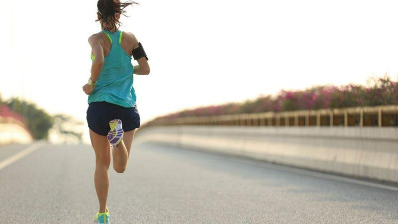 Necesidades proteicas en deportistas mujeres: ¿Son las mismas que en los hombres?