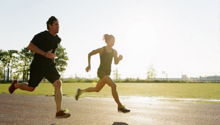 Reducir la estabilidad del 'core' influye en la biomecánica de las extremidades inferiores en corredores novatos