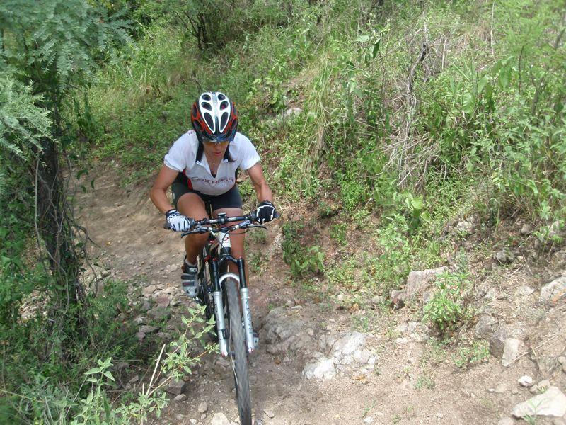 Enfoques de Entrenamiento de Deportistas Exitosos: Entrevista a la Múltiple Campeona de Ciclismo Jacqueline Brugnoli