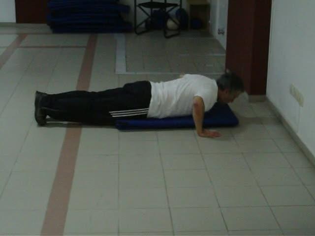 Flexión y extensión de brazos (Push-up)
